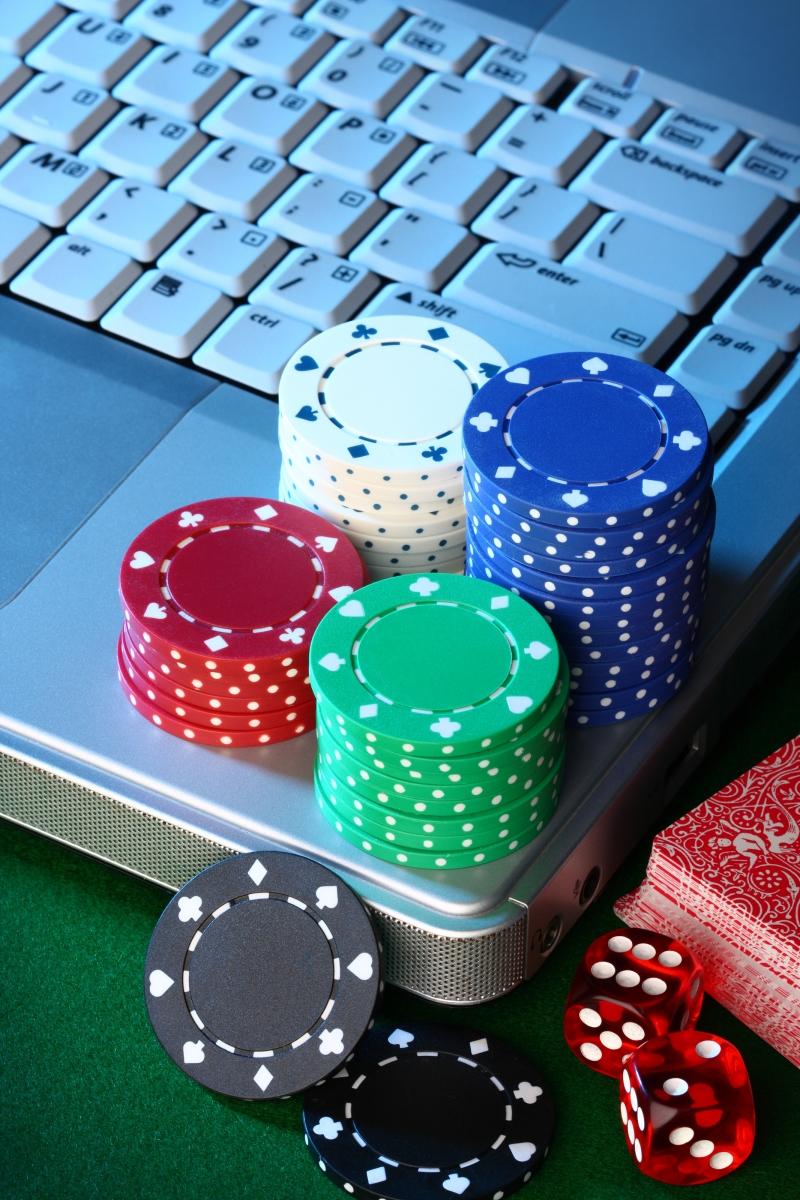 2931018-online-poker